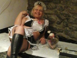 Stunning Older woman BettyBlu69 strip show lady finger-tickling